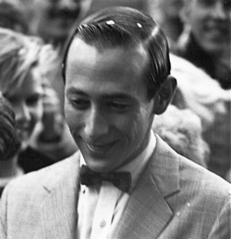 Pee-wee Herman - Reubens in 1985 receiving Harvard Lampoons Elmer Award for lifetime achievement in comedy