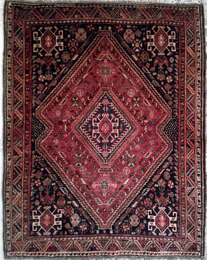 Shiraz rug - A rug by Basseri tribe