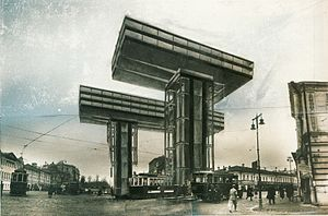"""Wolkenbügel (""""percha de las nubes""""): fotomontaje de un edificio no construido diseñado por El Lissitzky en 1924.  El propio edificio se asemeja a grúas de la construcción."""