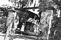PikiWiki Israel 2453 Kibutz Gan-Shmuel sb3- 58 גן-שמואל-שער החצר הקטנה 1930-5.jpg