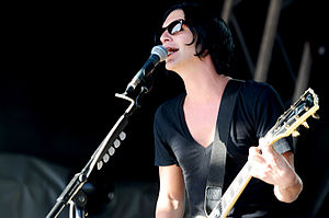 Brian Molko - Image: Placebo @ Steel Blue Oval (1 3 2010) (4416151559)