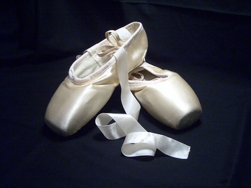 Soubor:Pointe shoes.jpg