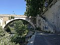 Ponte Fabricio dalla riva del Tevere.jpg