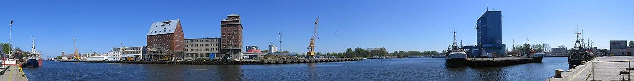 Panorama portu Kołobrzeg z nabrzeża Kamiennego