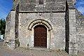 Portail ouest de l'église Saint-Aubin de Saint-Aubin-d'Arquenay.jpg