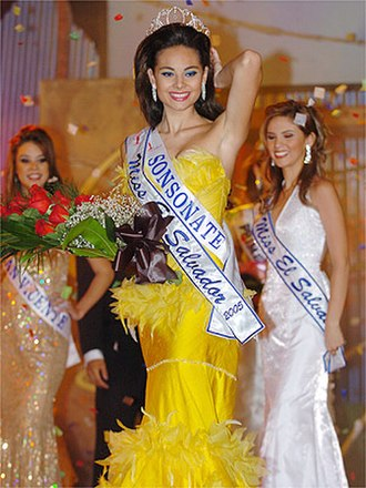 Irma Dimas - Irma Dimas crowned as Miss El Salvador 2005, 27 February 2005