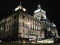 Praha, Národní muzeum v noci - panoramio.jpg