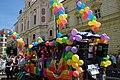 Praha, Staré Město, Prague Pride 2012, vůz s balonky.jpg