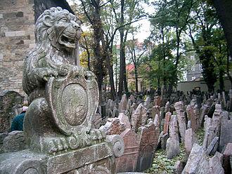 Old Jewish Cemetery, Prague - Lion – herald on gravestone of Hendl Bassevi.