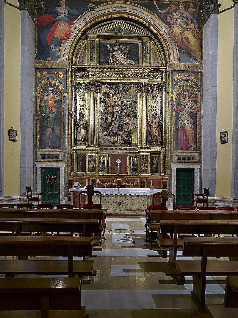 Presbiterio de la Iglesia de Nuestra Señora de las Angustias (Valladolid).jpg