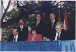 President Bush, Canadian Prime Minister Brian Mulroney and Mexican President Carlos Salinas participate in the... - NARA - 186460.tif