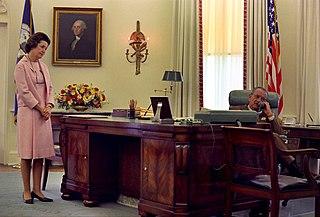 Johnson desk Oval office desk