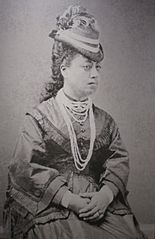 Queen Emma wearing Niihau lei.jpg