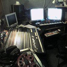 Casa di produzione cinematografica - Studio di registrazione in casa ...