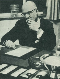 René Gabriëls-Desk at work.png