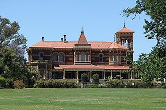 Rippon Lea Estate - Rippon Lea today from the front lawn