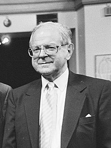 Robert Conquest in 1987