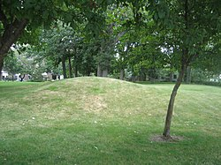 Rockford Il Beattie Park Mounds2.jpg