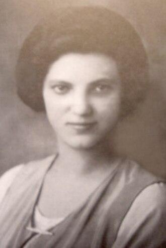 Rose Ausländer - Image: Rose Ausländer (1914)
