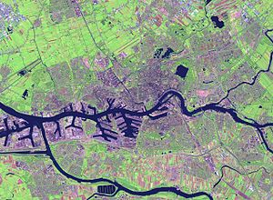 Nieuwe Maas - Satellite image showing the Nieuwe Maas going through Rotterdam. Also visible are the confluence of the Noord and Lek rivers (right edge) and the Oude Maas (bottom of the image).