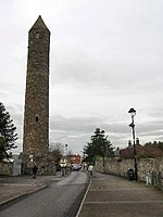 Round Tower - Clondalkin - geograph.org.uk - 108911.jpg