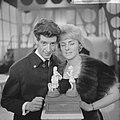 Rudy Carrellshow voor Vara-TV, Rudt Carrell hier met Annie Palmen, Bestanddeelnr 914-8024.jpg