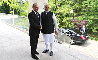 File Russian President Vladimir Putin Meeting With Indian Prime Minister Narendra Modi In Sochi Russia 6 Jpg Wikimedia Commons