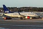 SE-RJR 737 SAS ARN 02.jpg