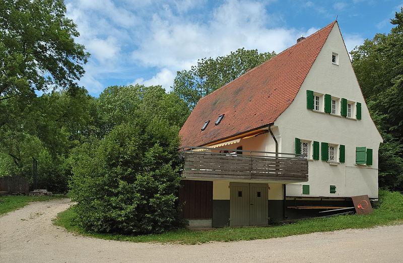 File:SVL-Haus Schopfloch (2007).jpg