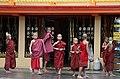 Sagaing-Aung Myae Oo-Klosterschule-12-Moenche-gje.jpg