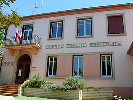 The town hall in Saint-Juéry
