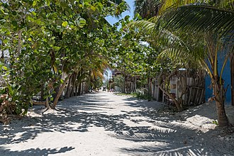 Isla Holbox - Image: Sandy streets of Holbox (42877671074)
