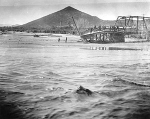Sentinel Peak (Arizona) - Image: Santa Cruz River Flood Tucson Arizona 1915