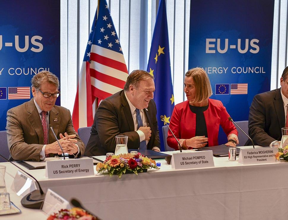 Secretary Pompeo Chats With Secretary Perry and E.U. Representative Mogherini (28498334597)