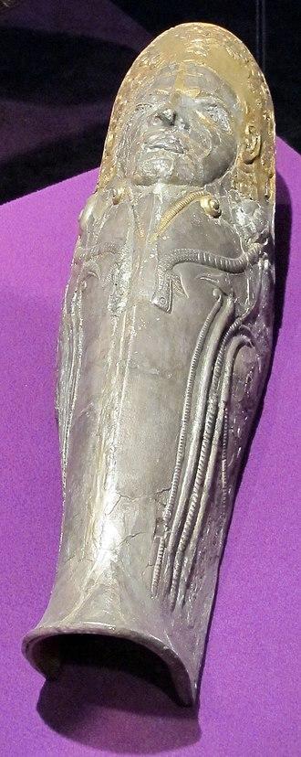 Greave - Image: Sepoltura principesca di agighiol, paramento in argento, 350 300 ac. ca. 01
