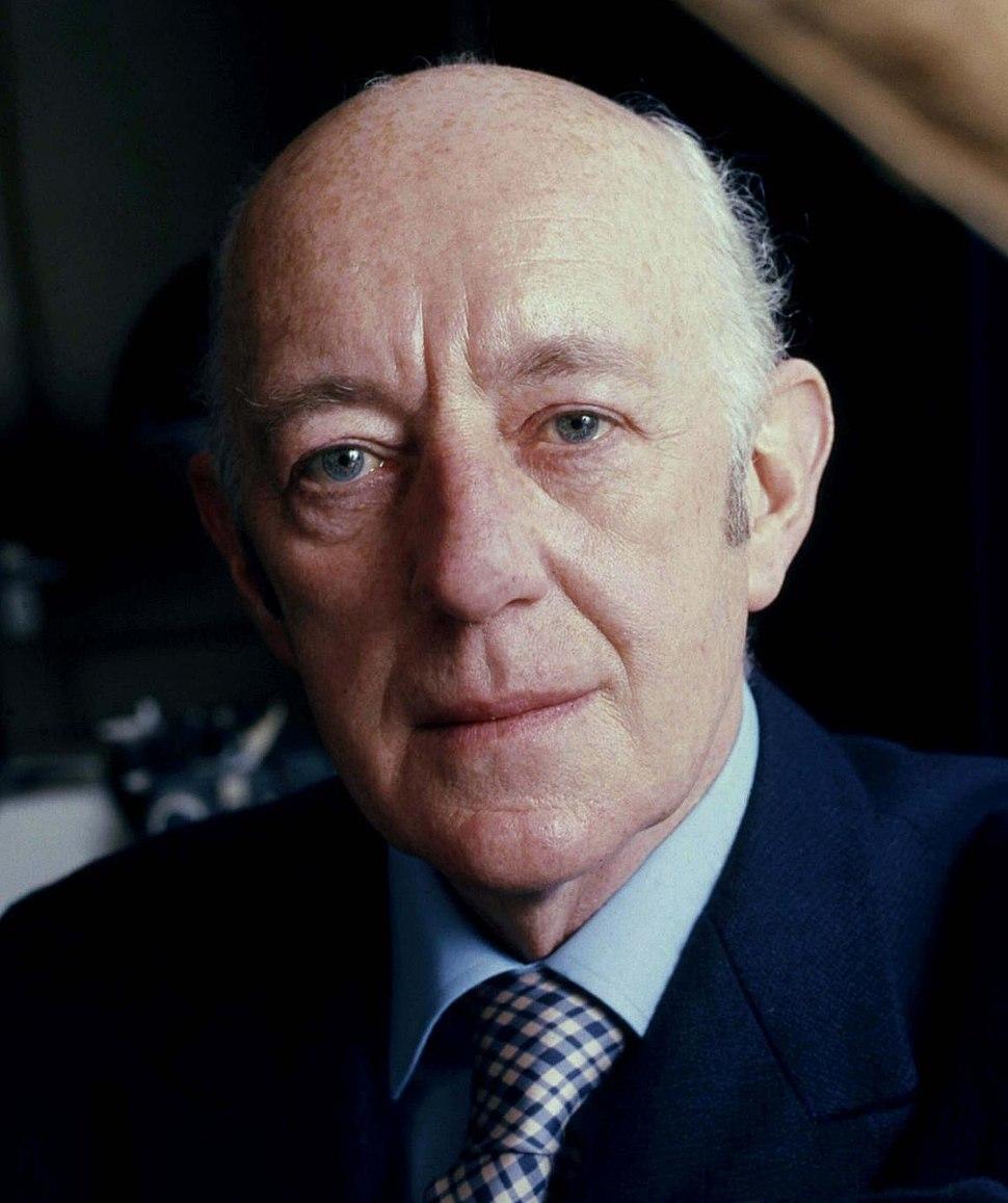 Sir Alec Guinness Allan Warren (2)