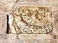 Spoleto, duomo, esterno, portico, frammento di urnetta antica.jpg