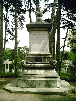 Claude-Marius Vaïsse - Image: Statue senateur Vaise