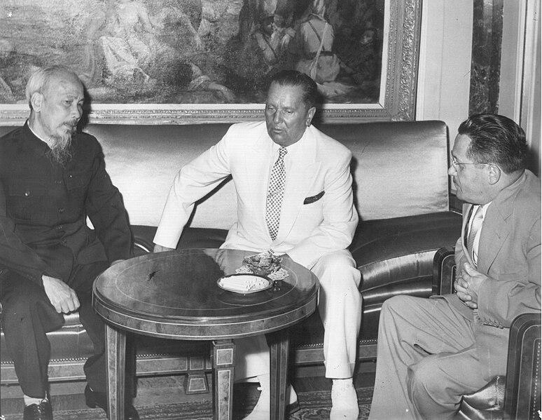 File:Stevan Kragujevic, Ho Chi Minh, Josip Broz Tito and Edvard Kardelj, Beograd, avgust 1957.jpg