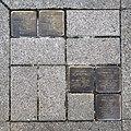 Stolpersteine für die ehemaligen Bewohner des Hauses in der Königstraße 50a in Hannover.jpg