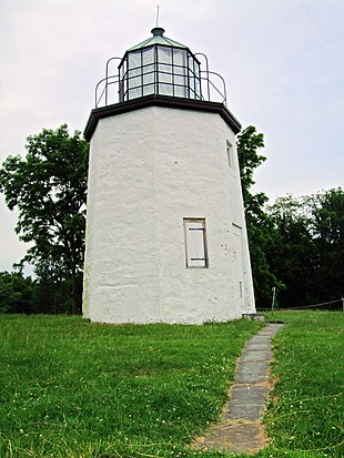 "<a href=""http://search.lycos.com/web/?_z=0&q=%22Stony%20Point%20Light%22"">Stony Point Light</a> in Stony Point"