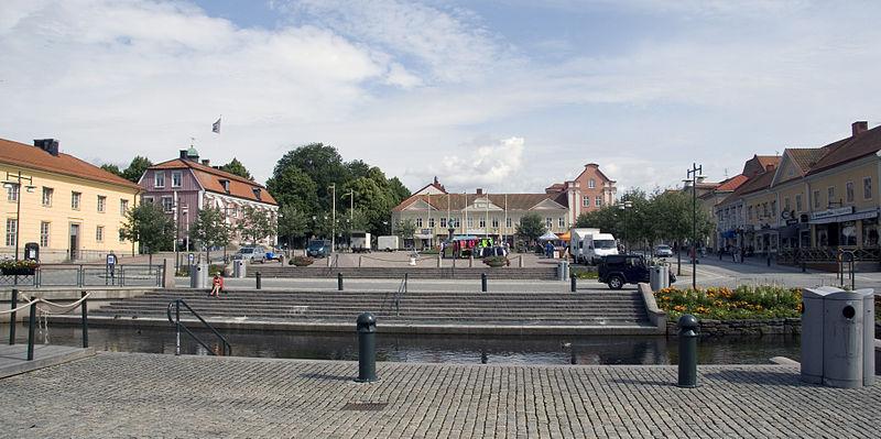 File:Stora torget Alingsås.jpg