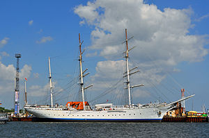 Gorch Fock (1933) - Image: Stralsund, Hafen (2013 06 15), by Klugschnacker in Wikipedia (3)