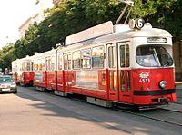 Hattengelyes, Jacobs-forgóvázas csuklós villamos Bécsben