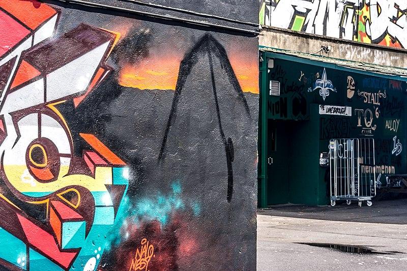 File:Street Art, Tivoli Car Park (Francis Street) - panoramio (33).jpg