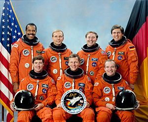 STS-55 - Image: Sts 55 crew