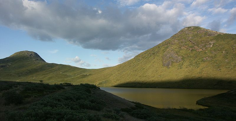 File:Sugar-loaf-kangerlussuaq-greenland.jpg