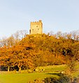 Sunrise on Dolwyddelan castle. (25069184353).jpg