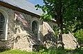 Tõstamaa kiriku tugipiilarid.jpg