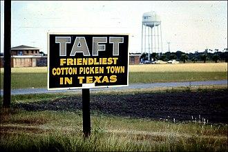 Taft, Texas - Sign at the entrance to Taft